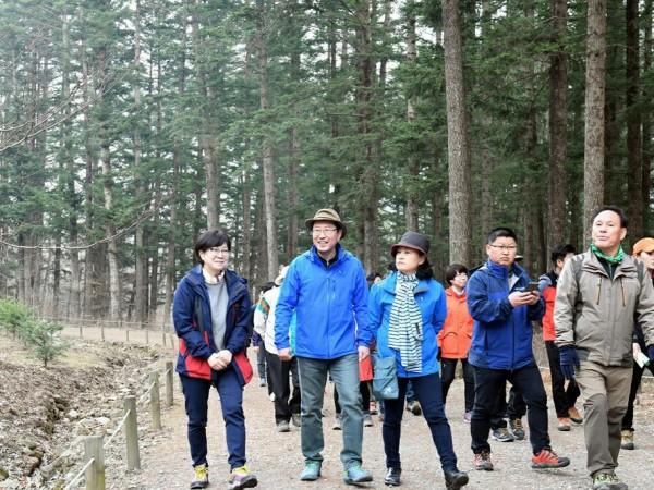 3면_광릉숲걷기.jpg